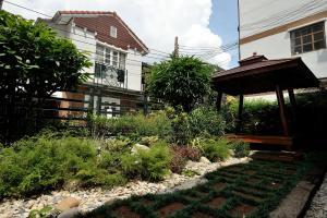 Siam Square House, Гостевые дома  Бангкок - big - 36
