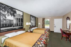 Queen Room with Two Queen Beds -Disability Access - Non-Smoking