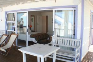 1 Point Village Guesthouse & Holiday Cottages, Apartmanok  Mossel Bay - big - 12