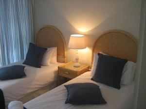1 Point Village Guesthouse & Holiday Cottages, Apartmanok  Mossel Bay - big - 66