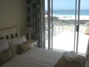 1 Point Village Guesthouse & Holiday Cottages, Apartmanok  Mossel Bay - big - 61