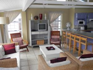 1 Point Village Guesthouse & Holiday Cottages, Apartmanok  Mossel Bay - big - 58