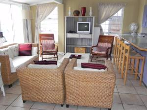 1 Point Village Guesthouse & Holiday Cottages, Apartmanok  Mossel Bay - big - 54