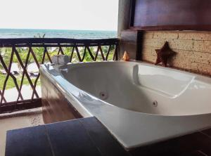 Ocean Front Master Suite with Hot Tub