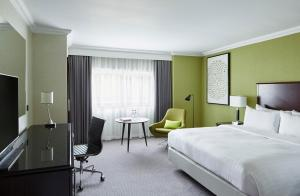 Manchester Airport Marriott Hotel, Hotely  Hale - big - 2