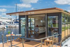 Lifestylehouseboat