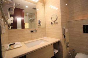 Hotel Golden Grand, Hotels  New Delhi - big - 4