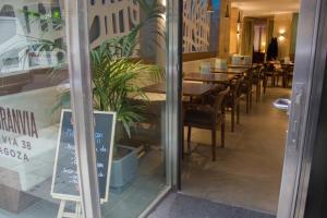 Hotel Gran Via, Szállodák  Zaragoza - big - 57