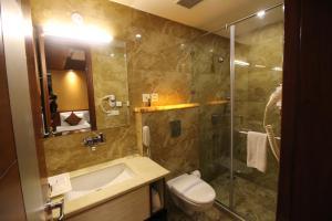 Hotel Golden Grand, Hotels  New Delhi - big - 11
