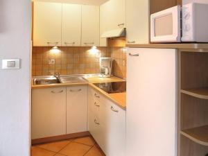 Ciasa Rasom 745W, Apartmány  Vigo di Fassa - big - 6
