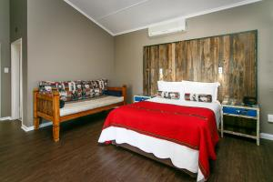 Miles B&B Guest House, Bed & Breakfasts  Oudtshoorn - big - 20