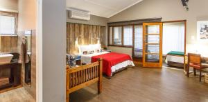 Miles B&B Guest House, Bed & Breakfasts  Oudtshoorn - big - 17