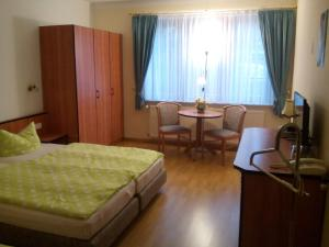 Hotelpension Schwalbennest, Guest houses  Benz - big - 22