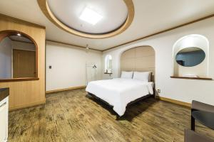 Hotel Tate, Hotely  Suwon - big - 14