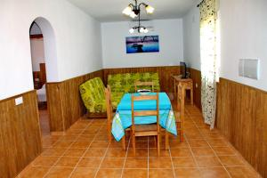 Chalet Cala de Roche, Holiday homes  Roche - big - 22