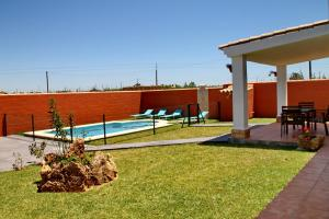 Chalet Cala de Roche, Holiday homes  Roche - big - 20