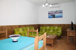 Chalet Cala de Roche, Holiday homes  Roche - big - 18