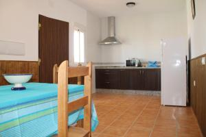 Chalet Cala de Roche, Holiday homes  Roche - big - 13
