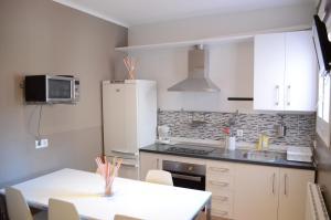 Three-Bedroom Apartment - Mare de Deu del Remei Street, 23