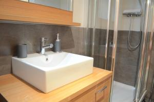 One-Bedroom Apartment - Concordia Street 40
