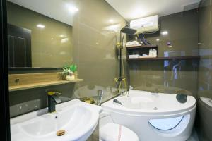 Pham Ha Hotel, Hotels  Hai Phong - big - 15