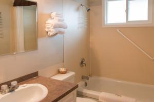 Lakeview Motel & Suites