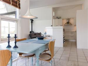 Two-Bedroom Holiday Home in Farevejle, Case vacanze  Fårevejle - big - 28