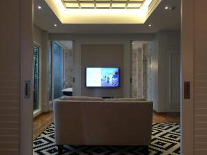 Marble Suite
