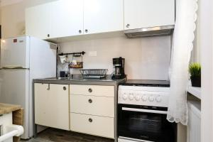 Country Chic City Center Apartment, Appartamenti  Salonicco - big - 6