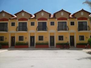 Gold Coast Diamante 14, Apartments  Palm-Eagle Beach - big - 4
