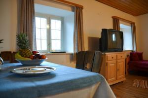 Hotel Restaurant Ferienwohnungen ALPENHOF, Apartmánové hotely  Übersee - big - 23