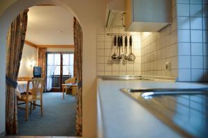 Hotel Restaurant Ferienwohnungen ALPENHOF, Apartmánové hotely  Übersee - big - 7