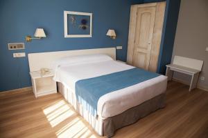 Hotel Jakue, Hotel  Puente la Reina - big - 13