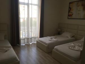 Living Hotel, Hotels  Tirana - big - 59