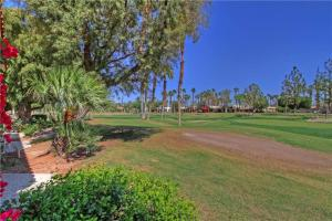 55210 Shoal Creek, Holiday homes  La Quinta - big - 4