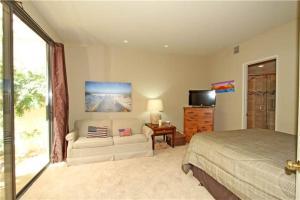 54603 Southern Hills, Holiday homes  La Quinta - big - 14