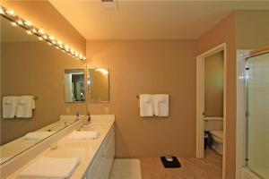 55421 Winged Foot, Prázdninové domy  La Quinta - big - 23