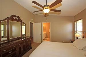 55421 Winged Foot, Prázdninové domy  La Quinta - big - 11