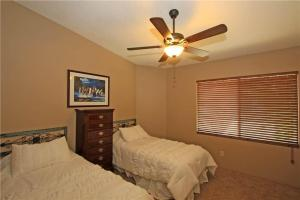 55421 Winged Foot, Prázdninové domy  La Quinta - big - 13