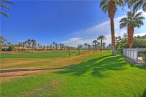 55-120 Riviera, Holiday homes  La Quinta - big - 11