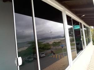 Apto Frente Mar Ponta das Canas, Apartmanok  Florianópolis - big - 2