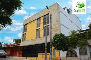 CasaBlanca ApartaEstudios, Apartmány  Girardot - big - 1