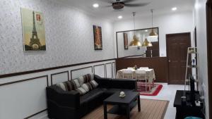 Tiarah Homestay, Apartmanok  Lumut - big - 4
