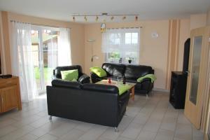 Ferienhaus Seeblick bei Dranske, Holiday homes  Lancken - big - 13