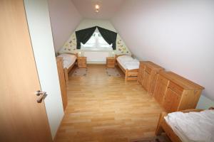 Ferienhaus Seeblick bei Dranske, Dovolenkové domy  Lancken - big - 9