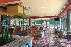 Embassy Suites Charlotte - Concord/Golf Resort & Spa, Hotel  Concord - big - 56
