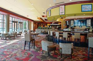 Embassy Suites Charlotte - Concord/Golf Resort & Spa, Hotel  Concord - big - 55