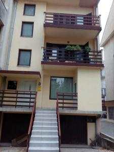 Apartment Viktor stan na dan, Apartmány  Šabac - big - 17