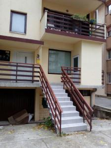 Apartment Viktor stan na dan, Apartmány  Šabac - big - 16