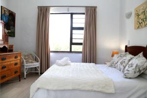 9 Sea Village, Apartmány  Hermanus - big - 2